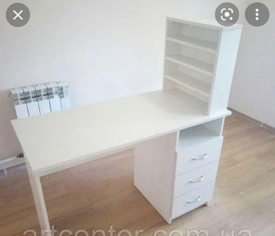 Маникюрный стол и все оборудование для маникюра