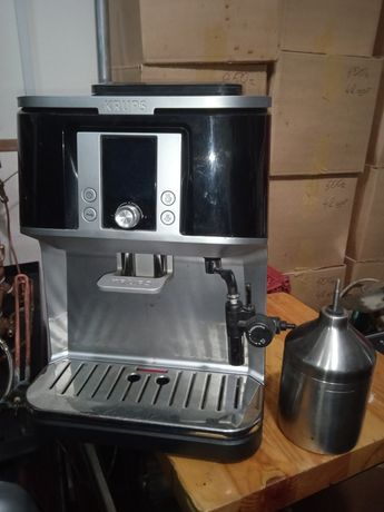 Кофемашина автомат с автоматическим капучинатором