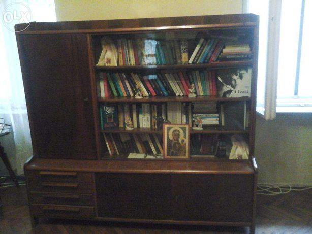 Vand corp de biblioteca cu vitrina si spatiu pt stocare.