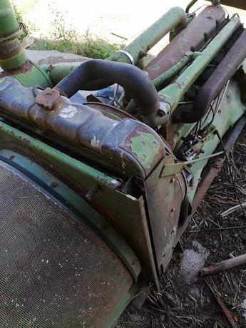 Vând motor John Deer