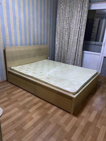 Двухспальная кровать срочно дешево