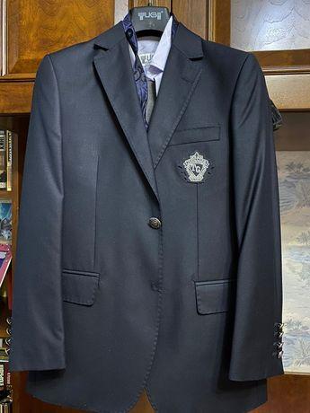 Продам клубный пиджак Tugi. Размер 11-12 лет.  В отличном состоянии