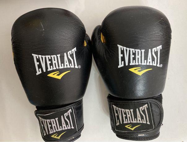 Продаю боксерские перчатки Everlast