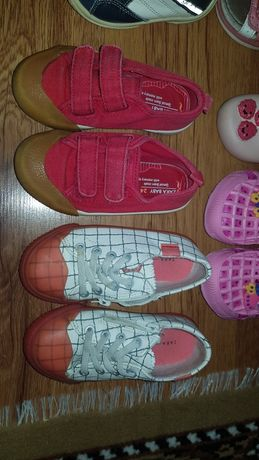 Детски обувки в различни размери!