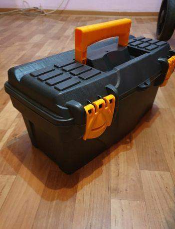 Ящик для инструментов.  Размеры 40 см на 20  на 16!