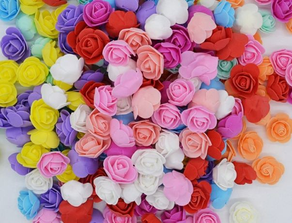 Trandafiri din spuma cu codite pentru photo corner, cocarde, coronite