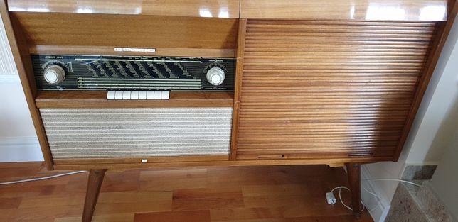 Combina muzicala ,radio,pick-up,TV , retro, lemn