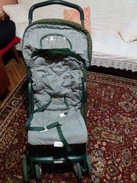 Продавам детска количка.