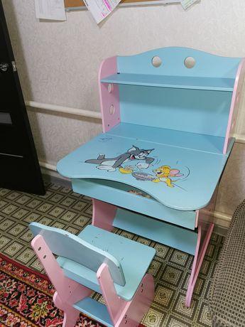 Продам письменный стол и стул