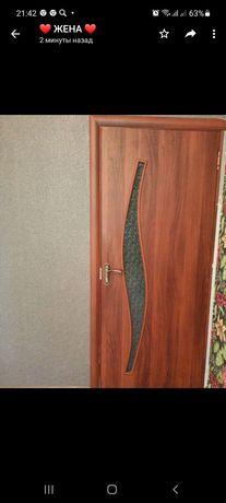 Продаётся шкаф, стол и межкомнатные двери