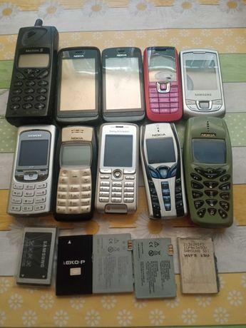 Стари Ретро Телефони и Зарядни.