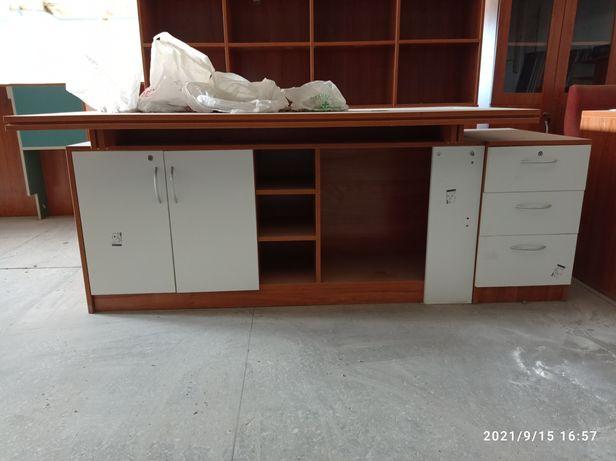 Продам кровать,шкаф,столы компьютерные!