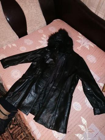 Продавам дамско палто от изкуствена кожа