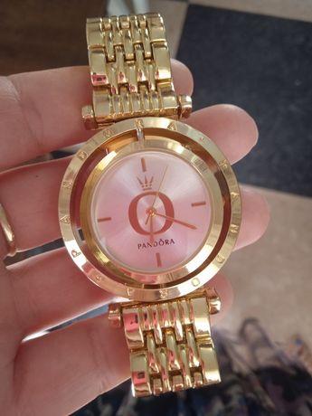 Продам новый часы pandora