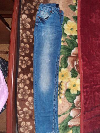 Летние джинсы модные