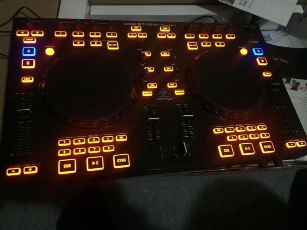 Controller DJ Behringer CMD Studio 4a