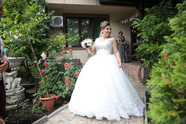 Rochie de mireasă, printesa, model deosebit, libanez