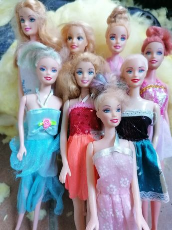 Jucării - păpuși Barbie si colectie kinder