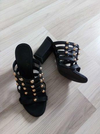 Елегантни дамски чехли от естествена кожа