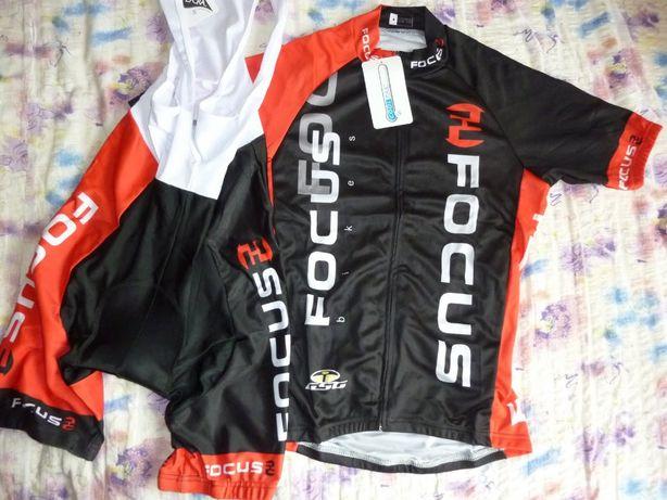 Echipament ciclism Focus rosu set pantaloni tricou jersey