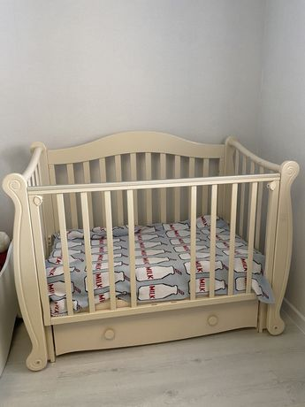 Продам кровать манеж