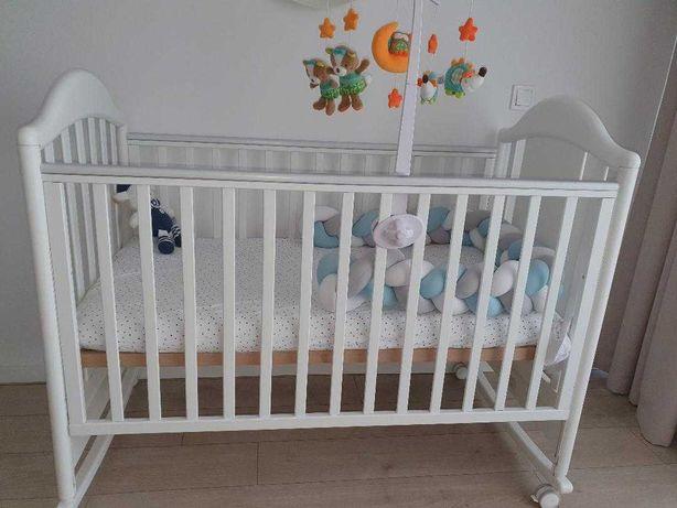Patut bebe Pali din lemn, reglabil pe 2 pozitii, transformabil in sofa