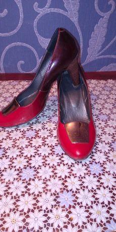 Продаются туфли натуральная кожа
