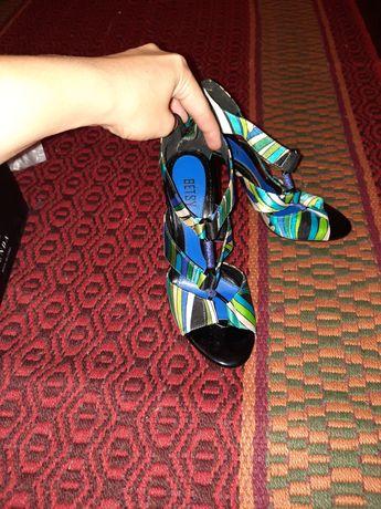 Туфли Betsy новые 35 размер