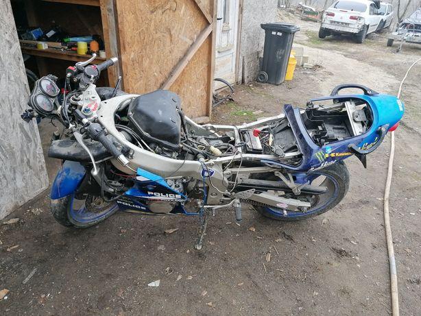 Kawasaki Ninja Zx6R 98-02 Dezmembrez