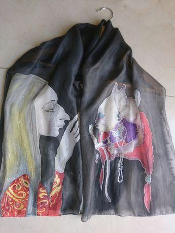 Шал, рисуван върху коприна. фантазия с котка