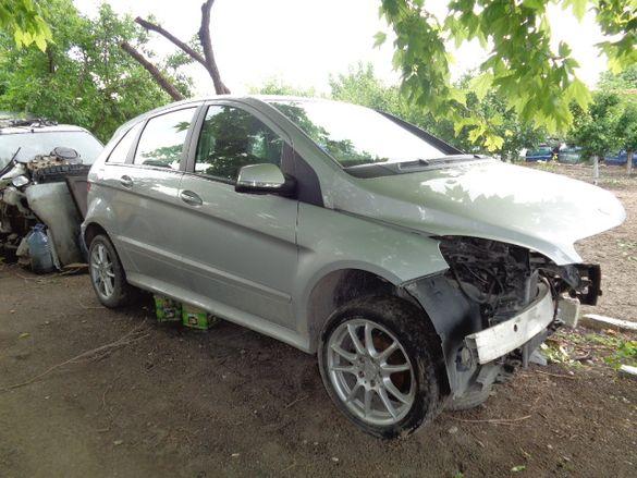 мерцедес Б150 на части Mercedes B150