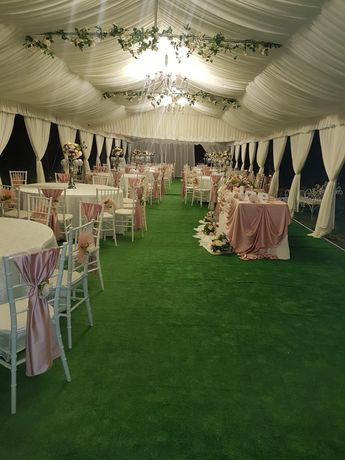 Inchiriez cort,corturi pavilion,mese scaune vesela aranjamente florale