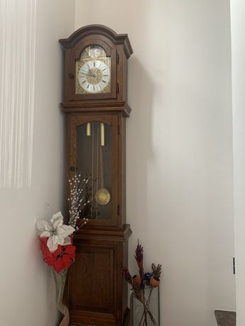 Ceas antic cu perdulă Tempus Fugit
