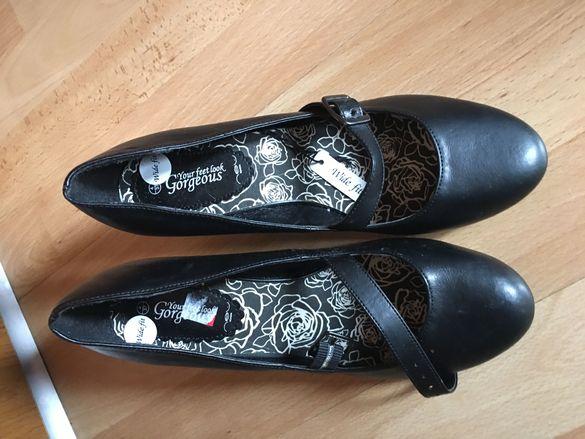 Обувки-чисто нови