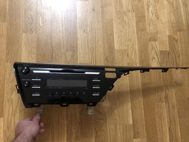 заводской родной оригинал магнитофон на камри 70