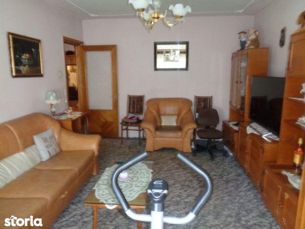 Apartament 2 camere decomandat etaj 3 Micalaca - Kaufland 72 mp