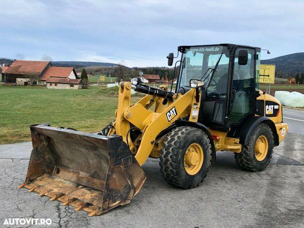 Cat 906 H2 2014 2.080 Ore Nr. Int 11017 Leasing Incarcator Frontal CAT 2014 Avans leasing de la 10%