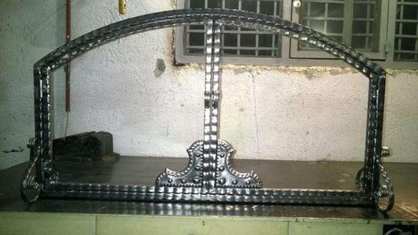 предпазна вратичка за камина от ковано желязо