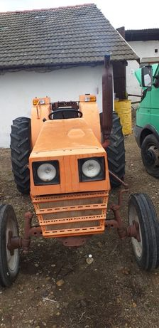 Tractor Fiat 470
