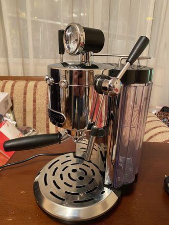 Кафемашина Ariete-ръкохваткова. 1500 W