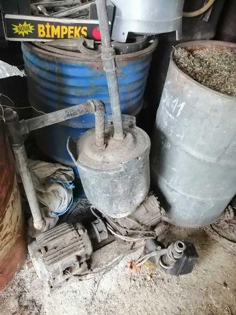 Доилен апарат вакум помпа за крави трифазен