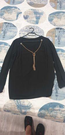 Черна дамска блуза с декорация златен синджир