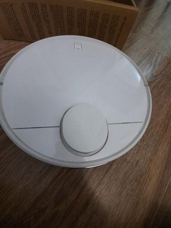 Пылесос робот сухая, влажная контейнер,  0.3 л. Состояние новый.