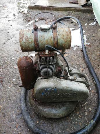 Vibrator beton pe benzina