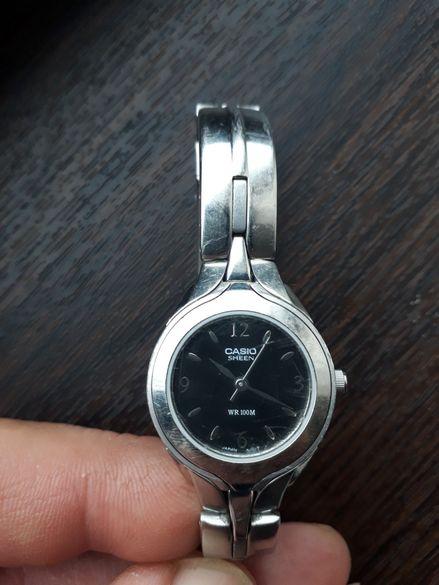 Стилен дамски часовник Касио/Casio