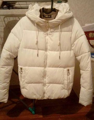 Куртка(новая)42р