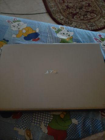 Laptop Acer       .