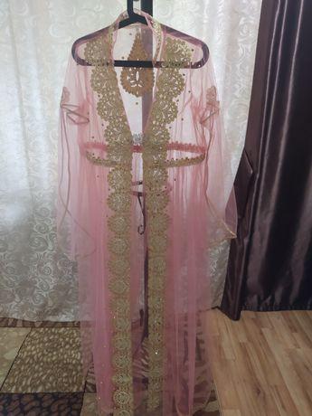 Продам платье накидка с вышивкой
