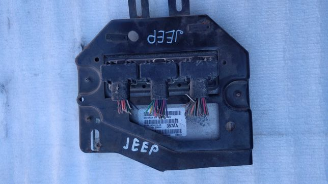 Блок управления двигателем Jeep Cherokee (99-04)