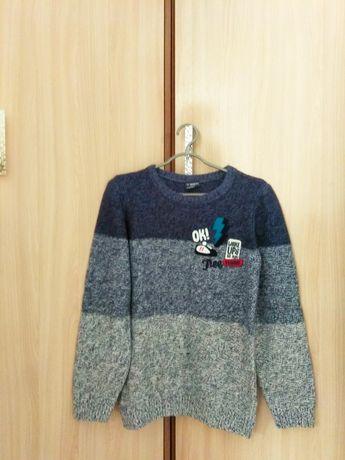 Продам свитер на мальчика 11-13 лет LC WAIKIKI и футболку за 700 тенге